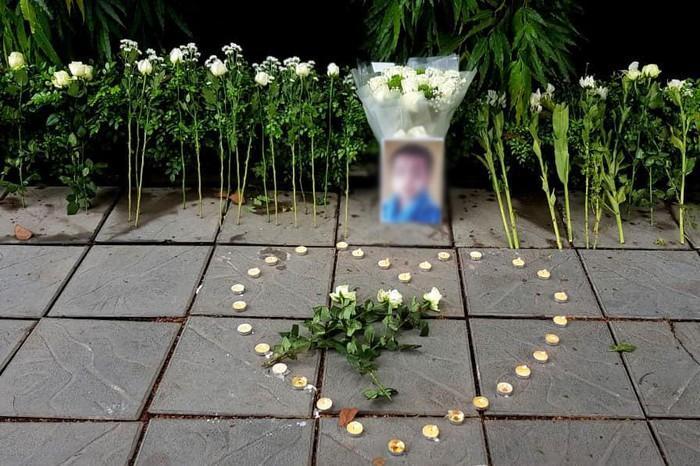 Trường Gateway đề nghị không tưởng niệm, đặt hoa trước cổng trường-2