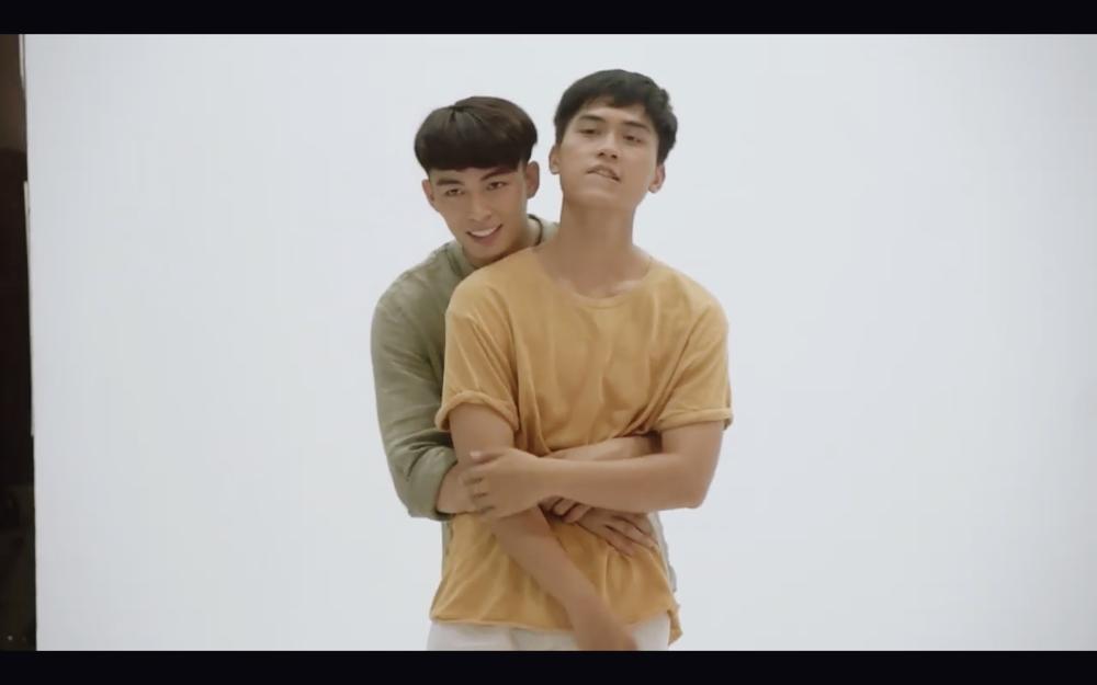 Hoàng thượng của Chi Pu và người yêu đồng tính tình bể bình cả trong phim và đời thực-12