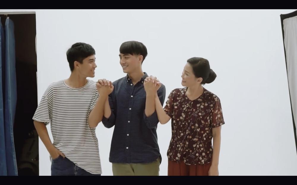Hoàng thượng của Chi Pu và người yêu đồng tính tình bể bình cả trong phim và đời thực-13