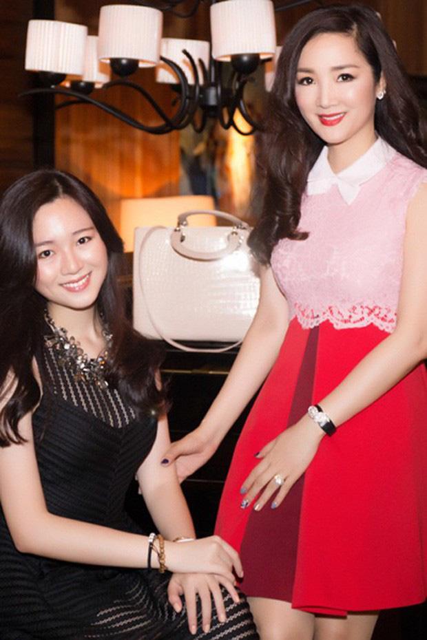 Khoe ảnh siêu đẹp mừng sinh nhật con gái, Hoa hậu Giáng My khiến ai nấy ngất ngây trước nhan sắc của Rich Kid Anh Sa-3