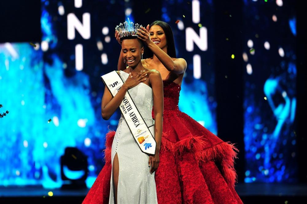 Lộ diện tân Hoa hậu Nam Phi: Nàng tomboy khiến Hoàng Thùy phải dè chừng tại Miss Universe 2019-1