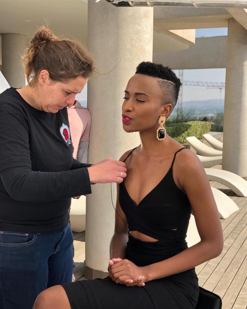Lộ diện tân Hoa hậu Nam Phi: Nàng tomboy khiến Hoàng Thùy phải dè chừng tại Miss Universe 2019-12