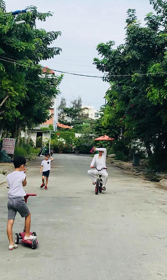Hồ Ngọc Hà phi siêu xe xuống phố vui chơi cùng Subeo ngày cuối tuần-7