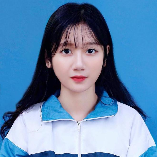 Nữ sinh 2K1 Lào Cai được dân mạng gọi là hot girl ảnh thẻ-1