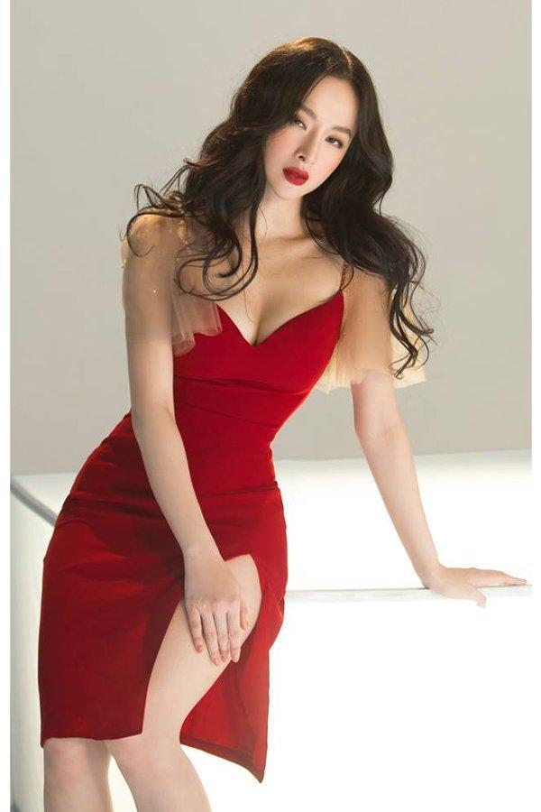 Bất ngờ khoe hình ảnh gợi cảm, phải chăng Angela Phương Trinh sắp trở lại showbiz-7