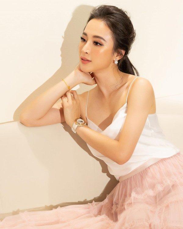 Bất ngờ khoe hình ảnh gợi cảm, phải chăng Angela Phương Trinh sắp trở lại showbiz-6