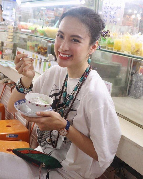 Bất ngờ khoe hình ảnh gợi cảm, phải chăng Angela Phương Trinh sắp trở lại showbiz-9