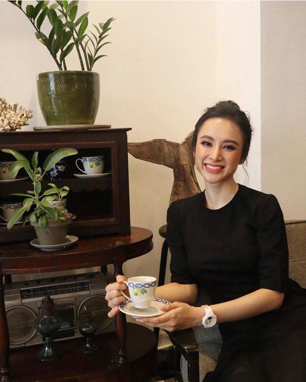 Bất ngờ khoe hình ảnh gợi cảm, phải chăng Angela Phương Trinh sắp trở lại showbiz-10
