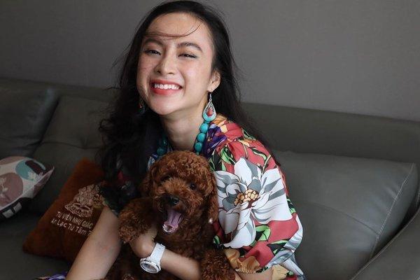 Bất ngờ khoe hình ảnh gợi cảm, phải chăng Angela Phương Trinh sắp trở lại showbiz-14
