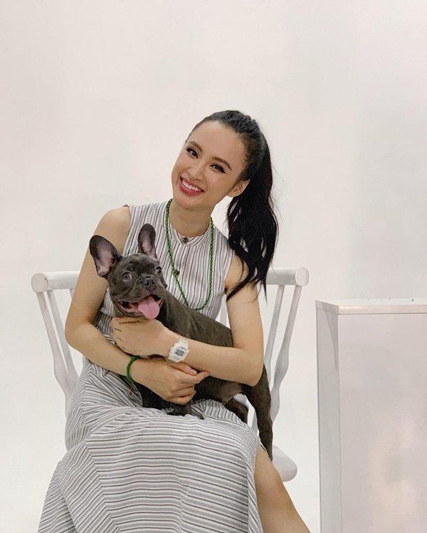 Bất ngờ khoe hình ảnh gợi cảm, phải chăng Angela Phương Trinh sắp trở lại showbiz-12