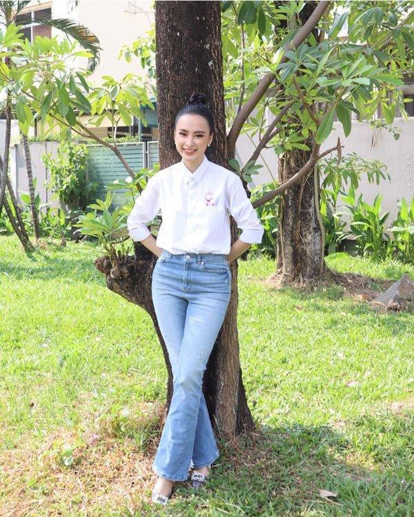 Bất ngờ khoe hình ảnh gợi cảm, phải chăng Angela Phương Trinh sắp trở lại showbiz-13