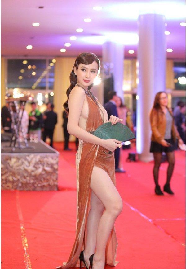 Bất ngờ khoe hình ảnh gợi cảm, phải chăng Angela Phương Trinh sắp trở lại showbiz-18