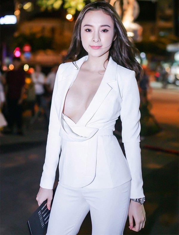 Bất ngờ khoe hình ảnh gợi cảm, phải chăng Angela Phương Trinh sắp trở lại showbiz-20