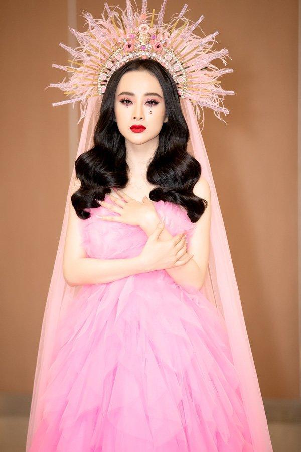 Bất ngờ khoe hình ảnh gợi cảm, phải chăng Angela Phương Trinh sắp trở lại showbiz-16