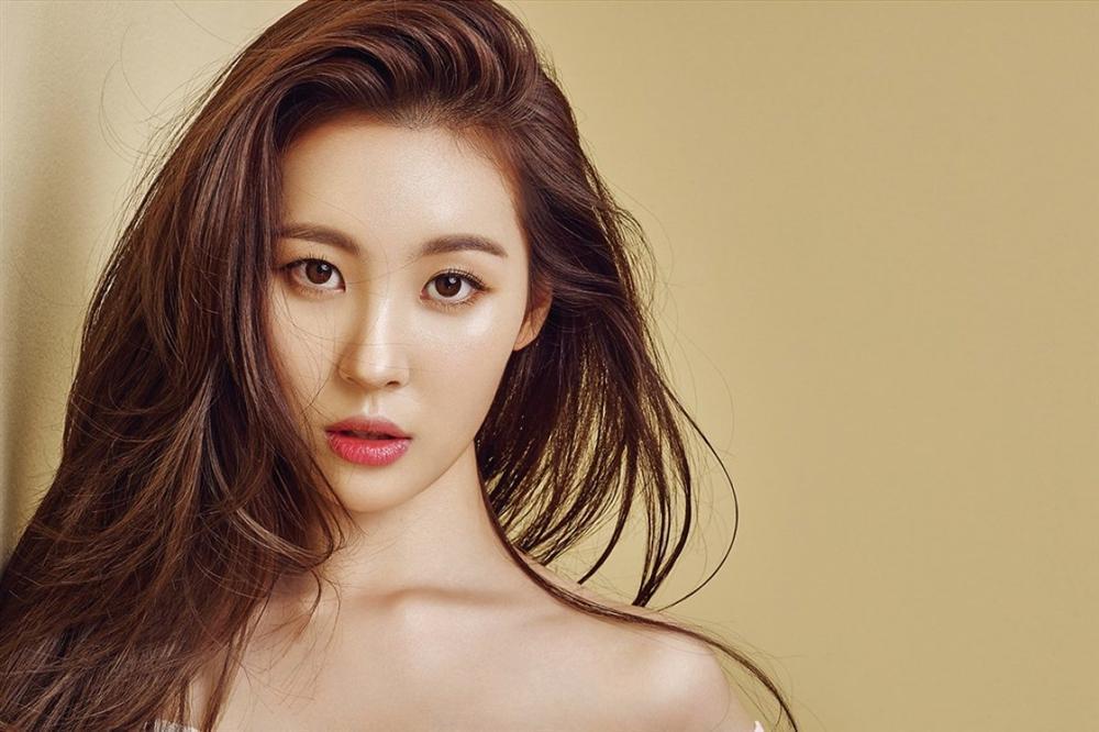 Chị gái sao nhí Kim Yoo Jung gây bất ngờ với nhan sắc xinh đẹp không kém người em nổi tiếng-4