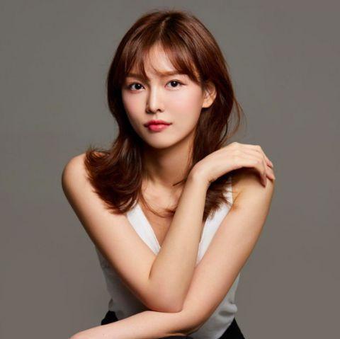 Chị gái sao nhí Kim Yoo Jung gây bất ngờ với nhan sắc xinh đẹp không kém người em nổi tiếng-1