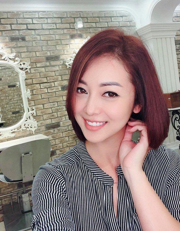 Vừa công khai có bầu lần 4, Jennifer Phạm đã xuất hiện đầy khác lạ khiến fan ngỡ ngàng-1