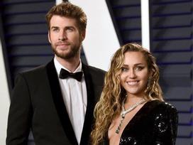 Chuyện tình 10 năm liên tục hợp tan của Miley Cyrus và Liam Hemsworth