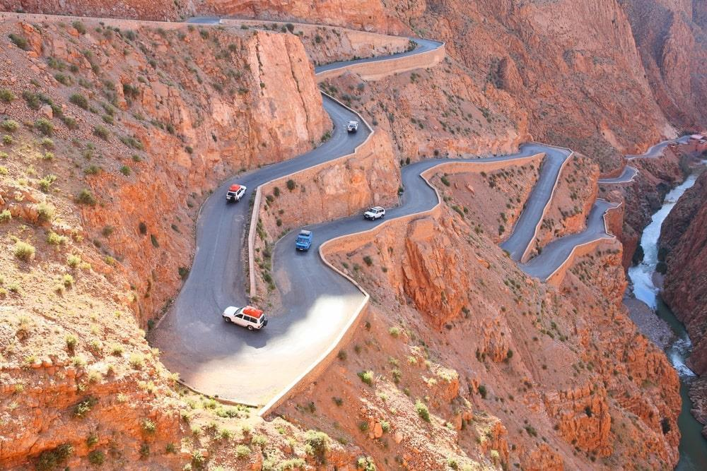 Cận cảnh tuyến đường nguy hiểm nhất hành tinh-3