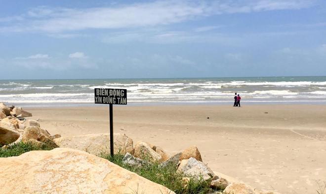 Vụ 4 người đuối nước ở Bình Thuận: Khách phớt lờ cảnh báo sóng lớn-1