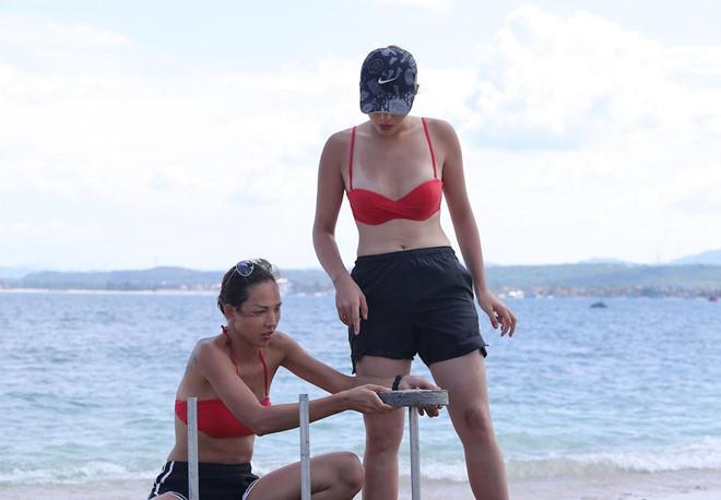 Ê-kíp Cuộc đua kỳ thú xin lỗi sau sự cố đặt bê tông lên rạn san hô-2