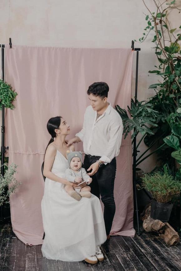 Khoe ảnh lưu niệm cả gia đình, em gái Nhã Phương khiến ai cũng xuýt xoa vì có cô con gái càng lớn càng yêu-1