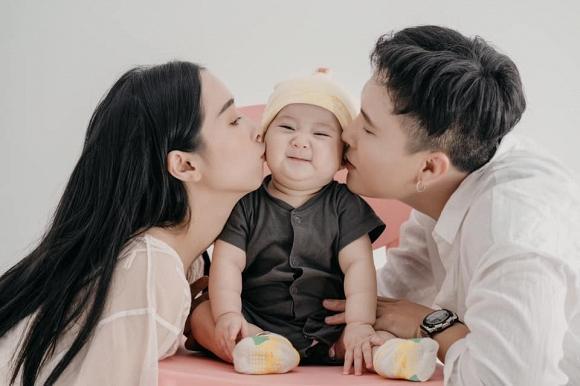 Khoe ảnh lưu niệm cả gia đình, em gái Nhã Phương khiến ai cũng xuýt xoa vì có cô con gái càng lớn càng yêu-2