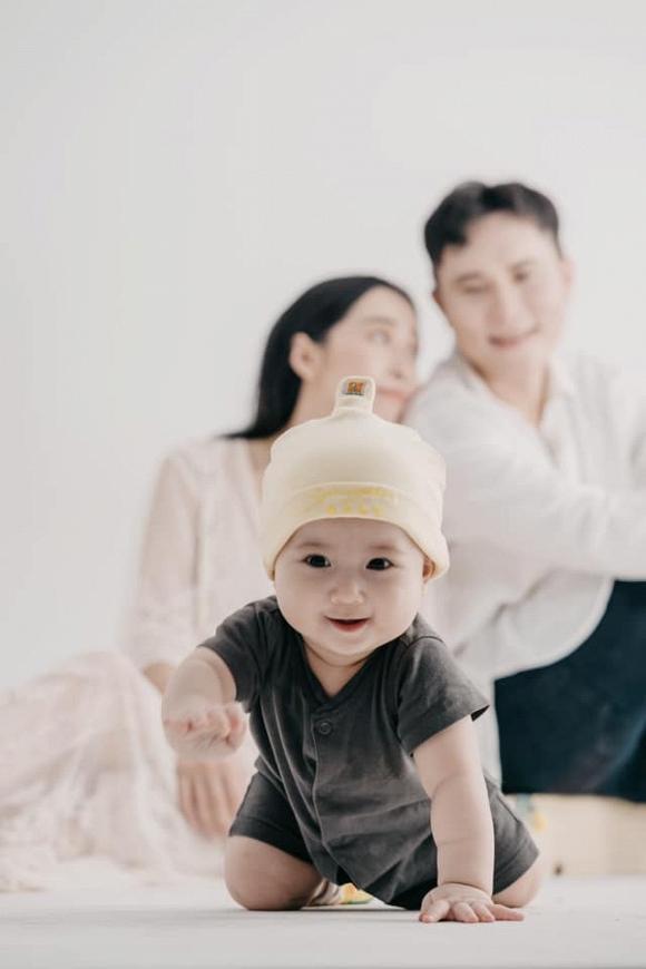 Khoe ảnh lưu niệm cả gia đình, em gái Nhã Phương khiến ai cũng xuýt xoa vì có cô con gái càng lớn càng yêu-5
