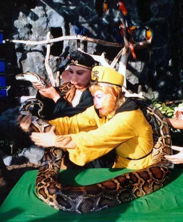 Loạt ảnh hậu trường quý hiếm của Tây Du Ký 1986 tiết lộ nhiều bí mật-1