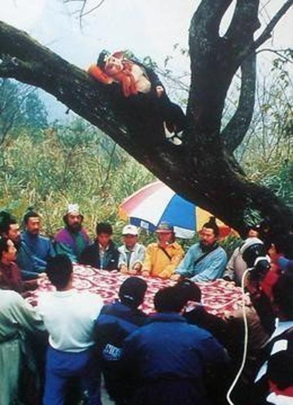 Loạt ảnh hậu trường quý hiếm của Tây Du Ký 1986 tiết lộ nhiều bí mật-13