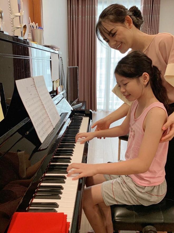 Cô giáo dạy piano bức xúc vì bị bình luận khiếm nhã trên mạng-1