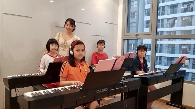Cô giáo dạy piano bức xúc vì bị bình luận khiếm nhã trên mạng-2