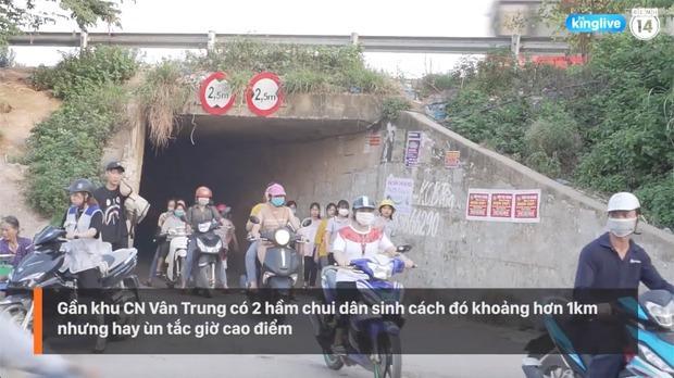 Clip: Thót tim cảnh công nhân bất chấp nguy hiểm băng ngang cao tốc Hà Nội - Bắc Giang-5