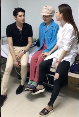 Giữa lúc showbiz đang sóng gió, Noo Phước Thịnh gây xúc động khi âm thầm đến thăm fan mắc ung thư giai đoạn cuối-7
