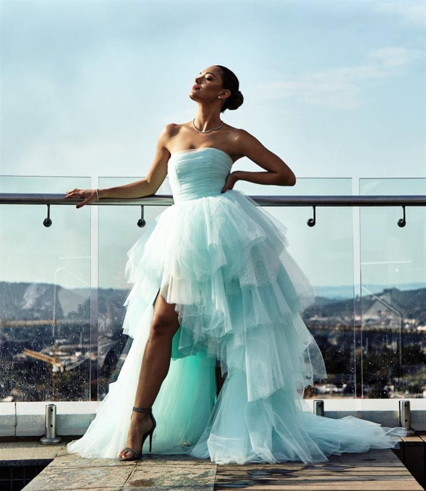 Bản tin Hoa hậu Hoàn vũ 12/8: HHen Niê lên đồ xuất sắc, chặt đẹp từ Phạm Hương đến mỹ nhân thế giới-9