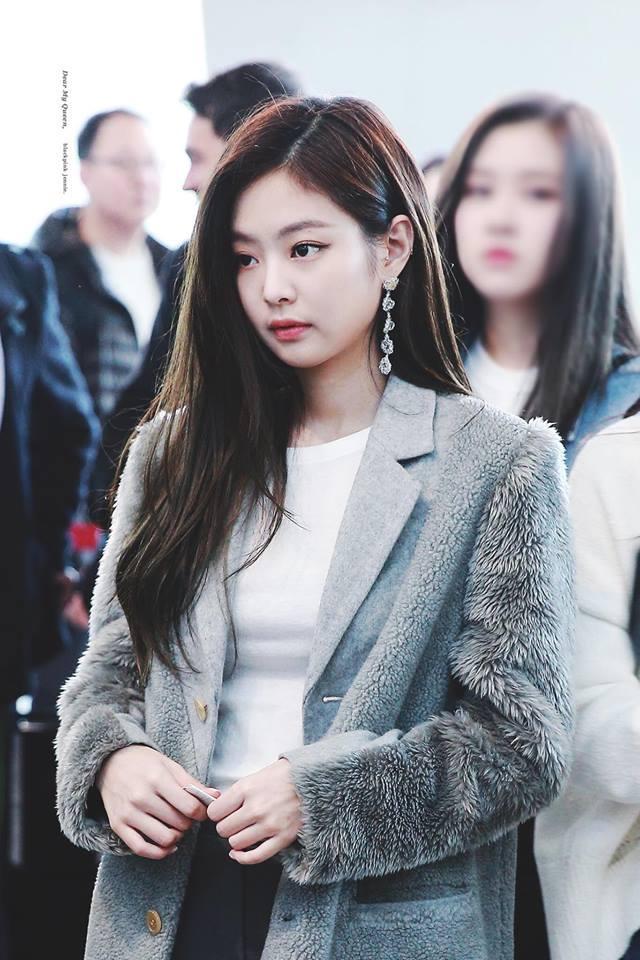 Mặc loạt idol gây sốc khi lộ mặt mộc, Jennie (BLACKPINK) vẫn đẹp bất chấp dù bị chụp lén-1