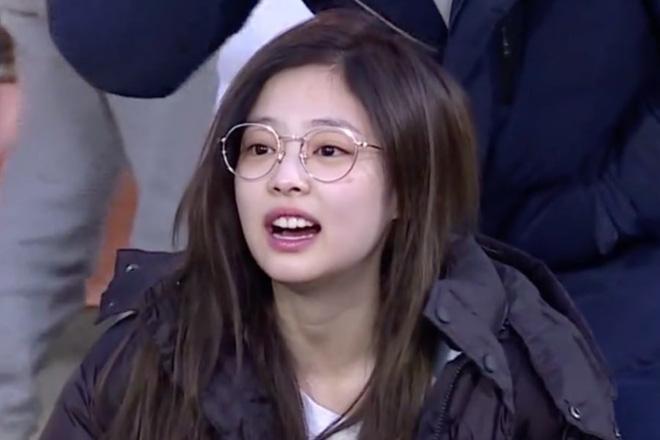Mặc loạt idol gây sốc khi lộ mặt mộc, Jennie (BLACKPINK) vẫn đẹp bất chấp dù bị chụp lén-7