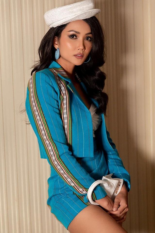Kể từ khi đăng quang hoa hậu, HHen Niê chỉ thực sự tỏa sáng khi diện loạt trang phục thổ cẩm dân tộc Ê-Đê-2