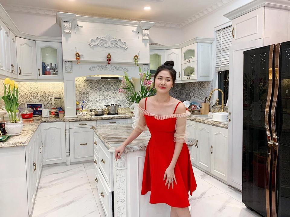 Nhìn căn bếp nhà Đăng Khôi thì mới hiểu tại sao vợ anh lại mê mẩn nấu ăn đến thế-1