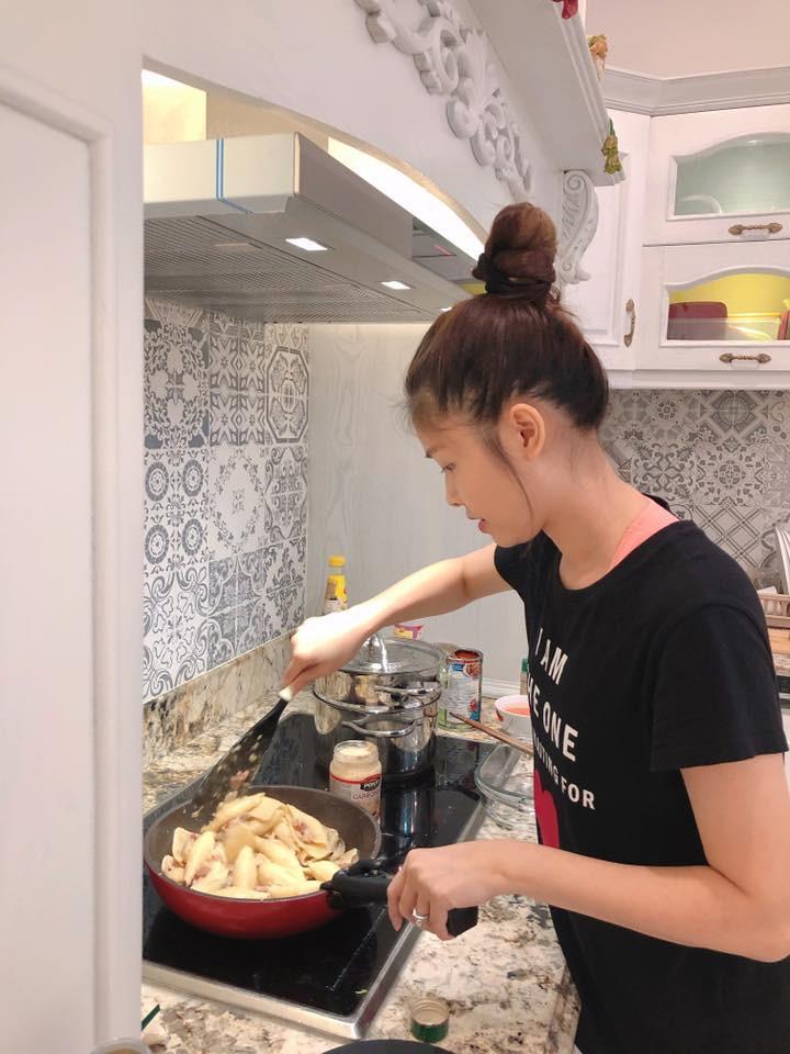 Nhìn căn bếp nhà Đăng Khôi thì mới hiểu tại sao vợ anh lại mê mẩn nấu ăn đến thế-2