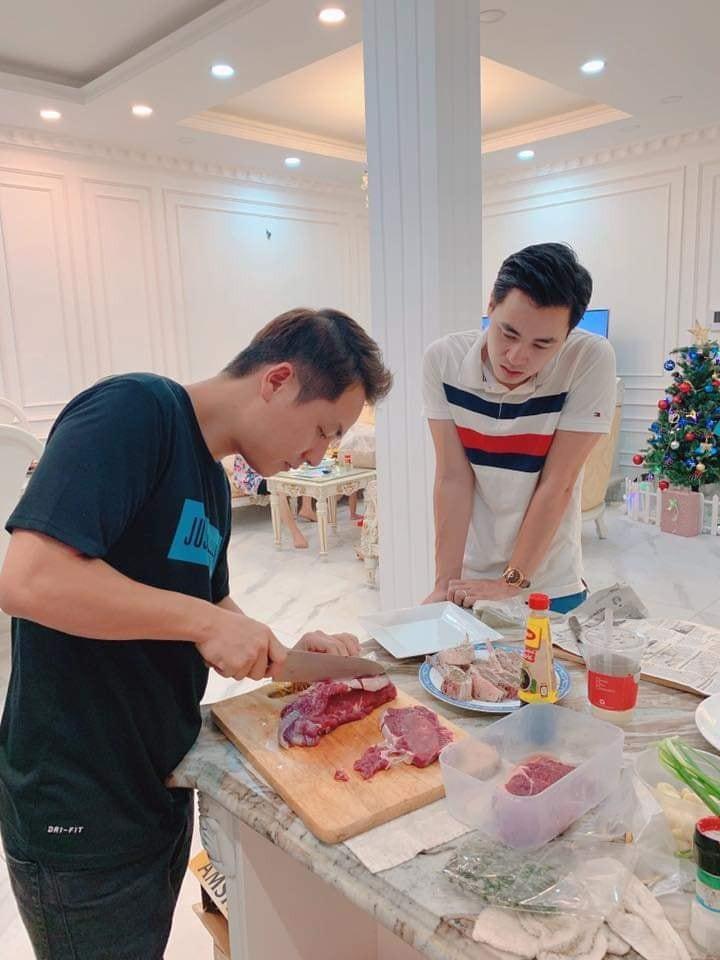 Nhìn căn bếp nhà Đăng Khôi thì mới hiểu tại sao vợ anh lại mê mẩn nấu ăn đến thế-4