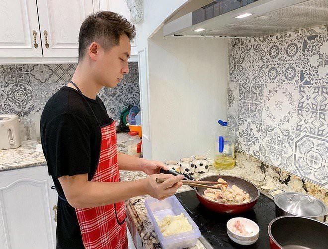 Nhìn căn bếp nhà Đăng Khôi thì mới hiểu tại sao vợ anh lại mê mẩn nấu ăn đến thế-5