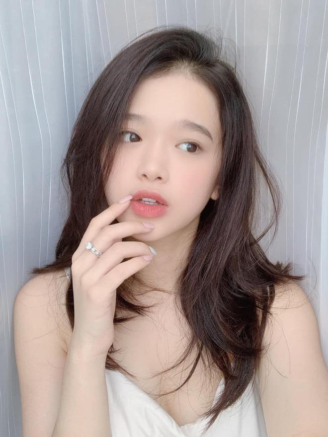 Liên tục bị soi trang điểm như bà thím tuổi băm, Linh Ka thả nhẹ tấm ảnh mặc áo dài khiến anti-fan câm nín-3