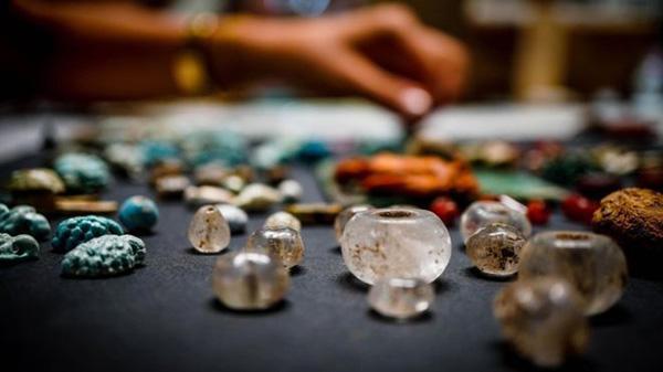 Tìm thấy kho đồ của phù thủy tại tàn tích thời La Mã-2