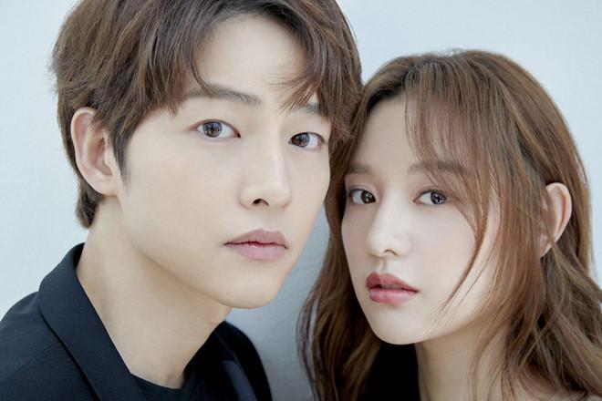 Song Joong Ki né đứng bên người tình tin đồn trong bộ ảnh mới-2