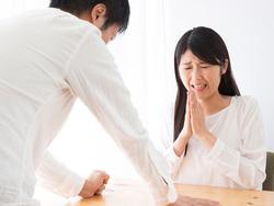 Trở về bất ngờ sau chuyến công tác, tôi đau đớn khi chứng kiến vợ ngoại tình với bạn thân