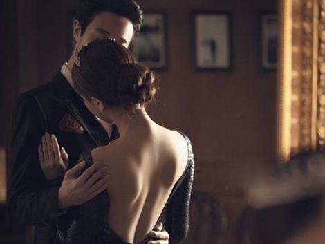 Lấy về nhà đi con làm bia đỡ để đi với gái, anh chàng bị người yêu vạch mặt đáng xấu hổ-2