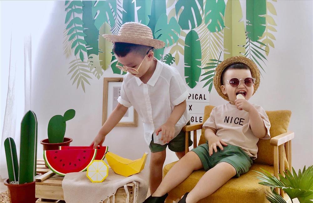 Mới ngày nào còn bé tí hon, quý tử út nhà Tâm Tít đã tròn 2 tuổi được bố mẹ tổ chức sinh nhật xịn sò hết nấc-3