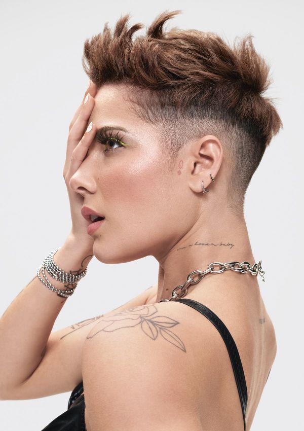 Anti-fan mỉa mai Miley Cyrus ngoại tình sau lưng Liam Hemsworth, Halsey bất ngờ lên tiếng bênh vực khiến chủ thớt méo mặt-3