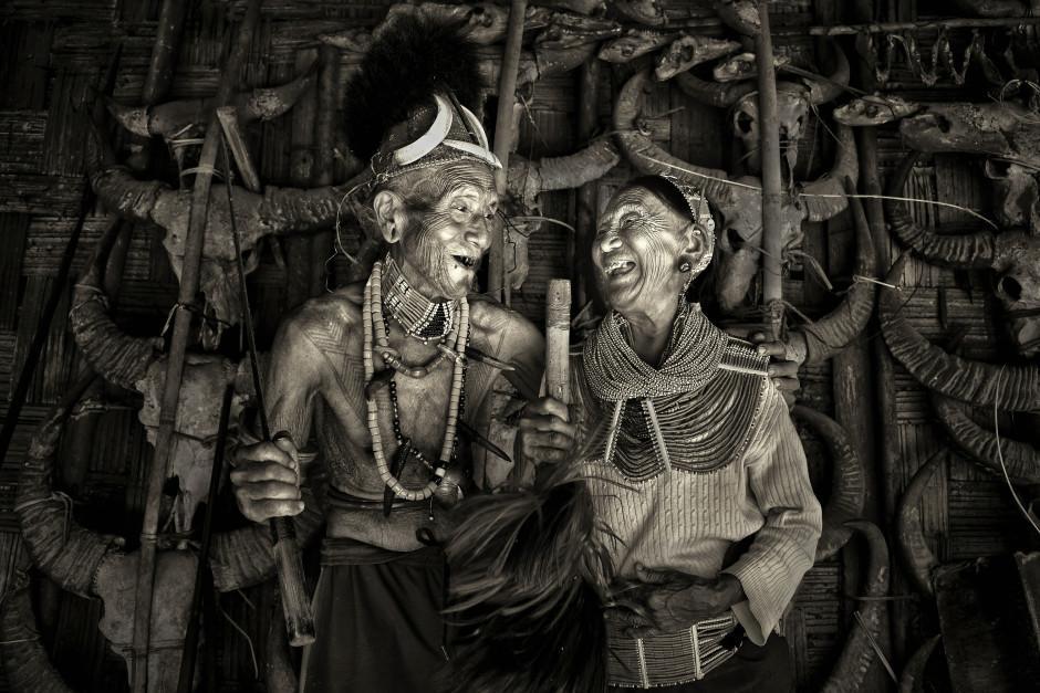 Bức ảnh cụ ông cụ bà Việt nhìn nhau cười hạnh phúc được lên báo nước ngoài, lọt khoảnh khắc tình yêu đẹp nhất-3